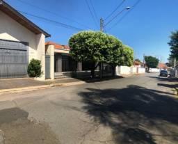 Casa à venda com 4 dormitórios em Centro, Pirassununga cod:60161
