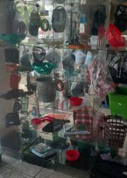 Vendo vitrines e prateleiras