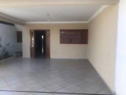 Ref: marista241 -Casa com 03 quartos sendo 02 suítes no Bairro Jardim America