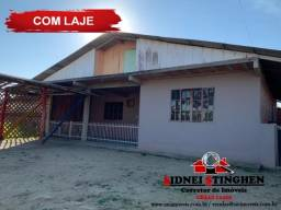 Casa com laje, 02 dormitórios, estrutura para sobrado a venda na praia
