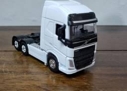 Miniatura carrinho caminhão carreta Volvo