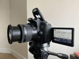 Câmera Fotográfica Canon EOS Rebel T7i - com lente