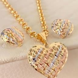 Conjunto de Coração em três ouros