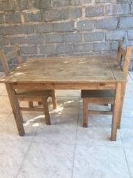 Barbada: Mesa e duas cadeiras novas