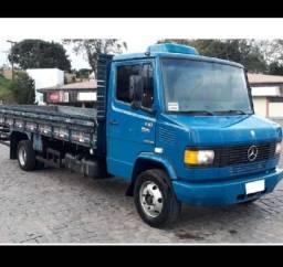 Título do anúncio: Vende-se caminhão 710