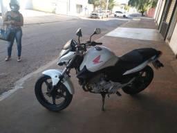 Moto CB 300 bem conservado ótimo Estado