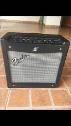 Título do anúncio: Amplificador guitarra Fender Mustang I