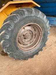 Par pneus trator Valmet 18.4-30 com aros