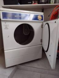 Título do anúncio: Máquina de secar roupas Brastemp compacta, 8 kg