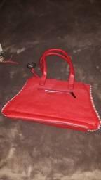 Linda Bolsa Vermelha forrada e com bolso interno com zíper e outro com divisória