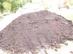 Terraplenagem vendo só terra preta preparada para mudas, planta,plantas jardim