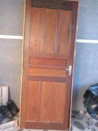 Vendo porta com trinka e castilho completa