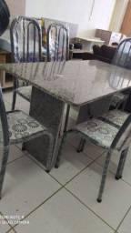 Mesa de 6 cadeira de granito