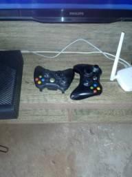 Xbox 360 bem conservado.bloqueado
