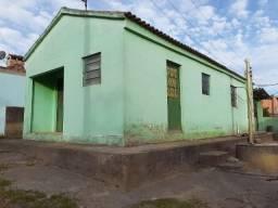 U- 212 Vendo três casas com terreno de esquina 15mx30m em Morro Redondo