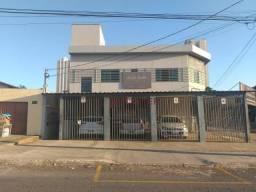 Apartamento com 2 dormitórios para alugar, 55 m² por R$ 900,00/mês - Parque Amazônia - Goi