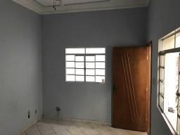 Apartamento com 2 dormitórios para alugar, 55 m² por R$ 800,00/mês - Centro - Montes Claro
