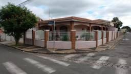 Casa bem localizada em Cosmópolis-SP. (CA0147)
