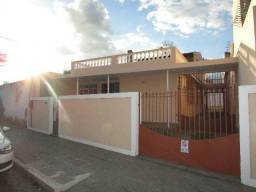 Casa Comercial com 02 pavimentos no Centro - Próxima à Escola Infantil Sementinha Mágica