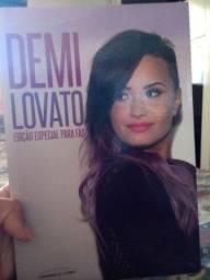 Livro Demi Lovato Edição especial para fãs