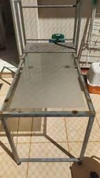 Título do anúncio: Mesa de vidro com prateleiras de metal