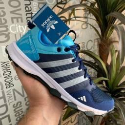 Tênis Adidas kanadia trz