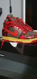 "Título do anúncio: Nike Dunk High ""Red Acid Wash"" NOVO 42BR"