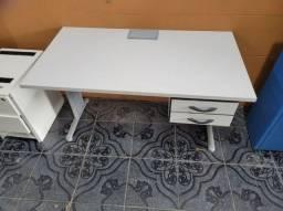 Título do anúncio: Mesa seminova para escritório