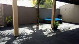 Bárbara  Linda casa com  Excelente localização. Com entrada a partir 12 mil