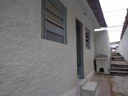 Aluga-se casa, 1 quarto, no Camarão - SG Aceita se depósito
