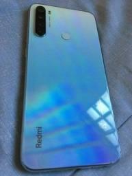 Vendo xioame redmi note 8 64 gb e 4 de ram , celular novinho
