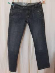 Promoção de calças femininas tamanho 44 e 46