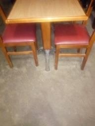 Título do anúncio: Mesa com cadeiras
