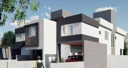 Casa com 3 Dormitórios - 3 Suítes - Varanda Goumet a 350 mts. da Praia