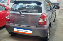 Toyota Etios 1.3 XS 16V Flex 4P - 2013