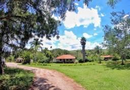 Belíssima fazenda  em Luziânia GO (75 km de Brasília)
