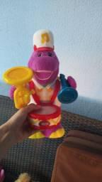 Barney canta e dança instrumentos