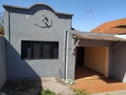 Casa com 2 dorms, Centro, Jaboticabal - R$ 120 mil, Cod: 136