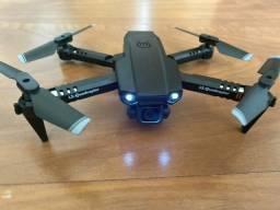 Mini drone com câmera para diversão