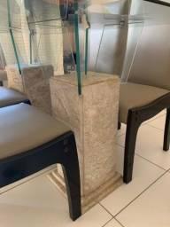 VENDE-SE mesa e cadeiras