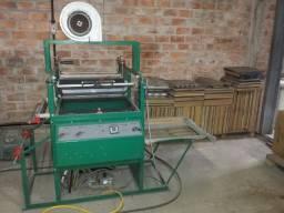 Indústria completa de embalagens e peças de vacuum forming