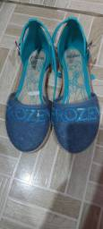 Sandálias tamanho 28