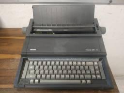 Máquina de Escrever - Oliveti -Praxis 201 II