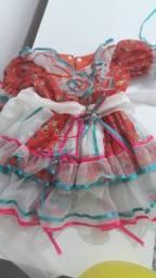 Vendo vestido junino tamanho 1,usado somente uma vez