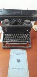 Título do anúncio: Máquina de escrever Imperial1958, com manual.