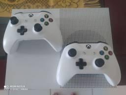 Xbox One S 2 controles+bateria para 1 controle