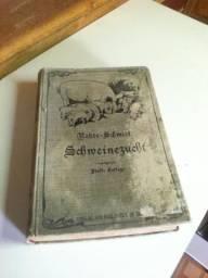 Livro antigo em alamão (criação de porcos)
