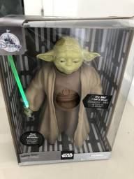 Barbada Boneco Yoda Star Wars Com movimentos de face