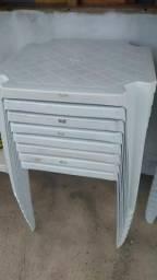 Vendo mesas e cadeiras PVC