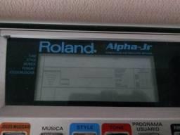Teclado Roland necessitando reparos ou para retirada de peças